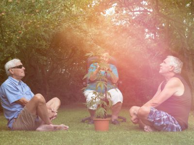 How Medical Marijuana Helps Older People with Their Ailments?