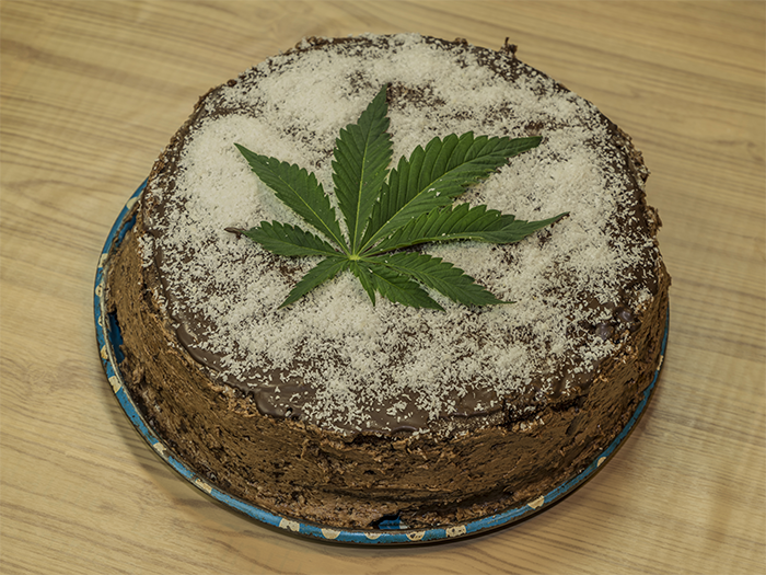 Incredible A Homemade Marijuana Birthday Cake Herban Planet Funny Birthday Cards Online Alyptdamsfinfo